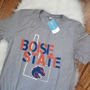 NEW Boise State Broncos NCAA tshirt medium unisex